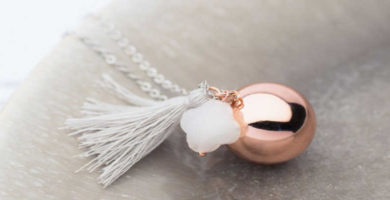 Llamador de ángeles rosa de Le petit bola